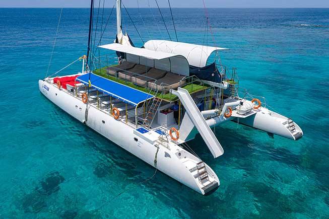布吉皇帝島珊瑚島豪華雙體雙層巨型帆船一日遊必去景點