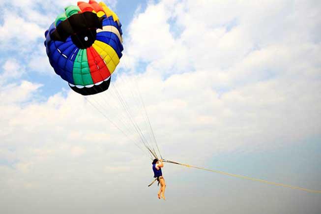 芭堤雅水上降落傘水上活動
