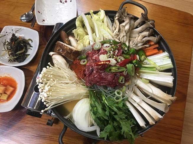 韓牛豆腐鍋牛餐