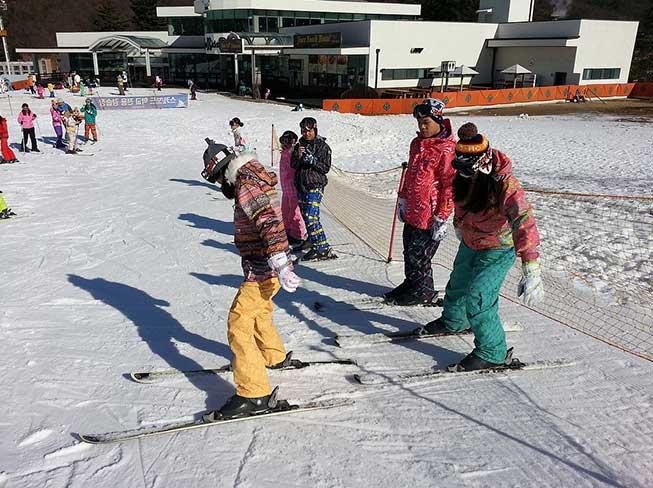 芝山滑雪埸 - 中文教學滑雪團
